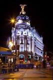 Metropole Gebäude und Gran über Straße, Madrid Stockbild