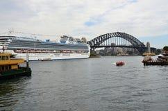Metropole Sydney und der berühmte bridbe Liebling Lizenzfreie Stockfotos