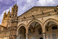 Metropolitaanse Kathedraal van de Veronderstelling van Maagdelijke Mary, in Palermo, Sicilië stock foto's