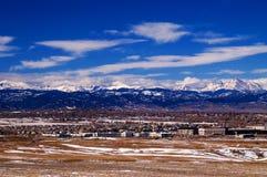 Metropolitana Denver con le montagne rocciose Immagini Stock