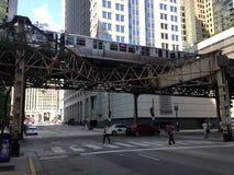 Metropolitana di Chicago sopra la via Fotografie Stock Libere da Diritti