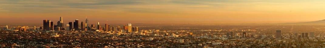 Metropolitana urbana del bello di Los Angeles orizzonte del centro leggero della città Immagine Stock