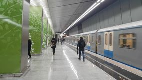 Metrostation Ramenki - ist eine Station auf der Kalininsko-Solntsevskayalinie der Moskau-Metros stock video footage