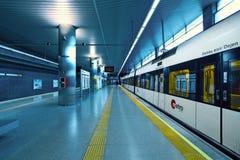 Metrovalencia火车站在机场。 库存照片