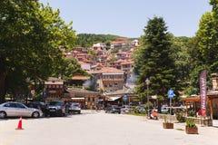 METSOVO,希腊- 2017年7月02日 在Metsovo的看法,著名滑雪胜地镇在夏天 库存图片