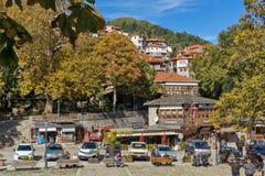 METSOVO, EPIRUS, GRÉCIA - 19 DE OUTUBRO DE 2013: Vista panorâmica da vila de Metsovo perto da cidade de Ioannina, Grécia imagem de stock royalty free