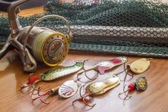 Metta degli accessori per pescare immagine stock libera da diritti