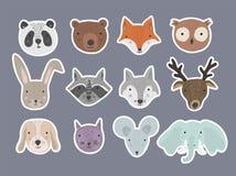Metta degli autoadesivi disegnati a mano degli animali del fumetto sveglio illustrazione vettoriale