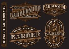 Metta degli emblemi d'annata del parrucchiere, il logos, distintivi illustrazione vettoriale