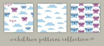 Metta dei modelli senza cuciture di vettore per i bambini Fondo piano del fumetto con le farfalle, nuvole, libellule Blu e rosa s illustrazione vettoriale