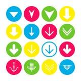 Metta di 16 giù le icone della freccia Bottoni della freccia su fondo bianco nei cerchi cremisi, blu, gialli e trasparenti royalty illustrazione gratis