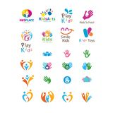 Metta di progettazione di logo di arti dei bambini illustrazione di stock