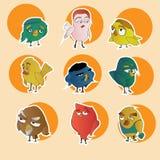 Metta i caratteri divertenti degli uccelli del fumetto Immagine Stock