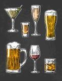 Metta il vetro per la birra, il whiskey, il vino, la tequila, il cognac, il champagne, il brandy, i cocktail, liquore Vettore inc Fotografia Stock Libera da Diritti