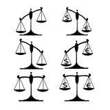 Metta la bilancia della giustizia Immagine Stock