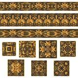 Metta le collezioni di vecchi ornamenti greci Confini dorati e mattonelle antichi isolati sui precedenti bianchi royalty illustrazione gratis