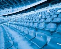 Metta lo stadio a sedere immagini stock