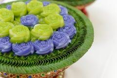 Metta a strati il dessert dolce di Khanom Chan Thai del dolce nella forma rosa Fotografia Stock