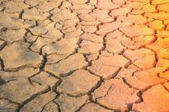 Mettez à la terre la fente moulue, manque de terre de l'eau photo libre de droits