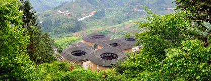 Mettez à la terre le château en vallée, Fujian, au sud de la Chine Image libre de droits