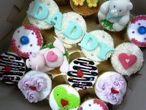Mettez en forme de tasse les gâteaux Image libre de droits