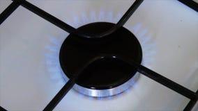 Mettez en marche la cuisinière à gaz clips vidéos
