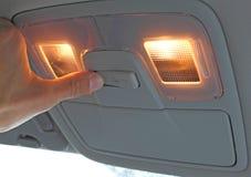Mettez en marche le commutateur léger dans le véhicule Photos libres de droits