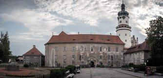 Metuji hermoso del nad del mesto del nove del castillo fotos de archivo