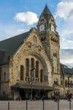 METZ, FRANCIA EUROPA - 24 DE SEPTIEMBRE: Vista de la estación en Metz fotos de archivo