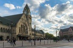 METZ FRANKRIKE EUROPA - SEPTEMBER 24: Sikt av stationen i Metz Royaltyfri Bild