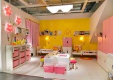 Meubles de pièce d'enfants à Ikea Photos libres de droits