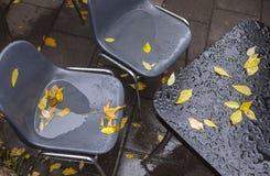 Meubles humides de café photographie stock libre de droits