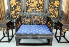 Meubles royaux chinois avec la décoration de dragon photo libre de droits