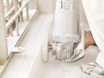 Meulage du plancher carrelé Image stock