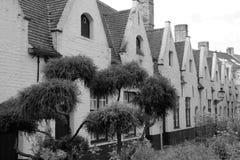Meulenaere和圣若瑟,布鲁日布鲁基,比利时贫民院的庭院庭院  免版税库存图片