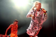 Meurent Antwoord (bande d'éloge de coup sec et dur) exécute au festival de sonar Image stock