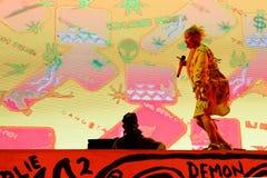 Meurent la bande d'éloge de coup sec et dur d'Antwoord de concert au festival de sonar Photographie stock