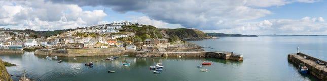Mevagisseyhaven panoramisch, in midden van april, Cornwall stock afbeeldingen