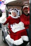 Mevr. Claus komt bij Paragraaf van Toronto aan de Kerstman Royalty-vrije Stock Foto