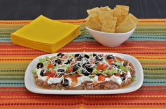 Mexicaans Bean Layered Dip Royalty-vrije Stock Fotografie