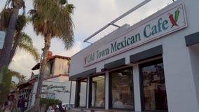 Mexicaans district bij San Diego Old Town - SAN DIEGO, de V.S. - 1 APRIL, 2019 stock video
