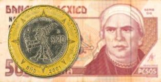 20 Mexicaans pesomuntstuk tegen 50 de Mexicaanse obvers van het pesobankbiljet royalty-vrije stock fotografie