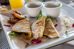 Mexicaans quesadillaontbijt met weegbree Royalty-vrije Stock Afbeelding