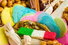Mexicaans traditioneel artisanaal met de hand geproduceerd suikergoed stock foto