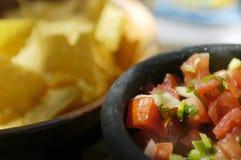 Mexicaans Voedsel - Salsa & Spaanders Stock Foto