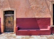 Mexicaanse Architectuur: deur en Stock Afbeeldingen