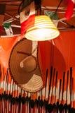 Mexicaanse die sombrero in een tribune wordt gehangen royalty-vrije stock fotografie
