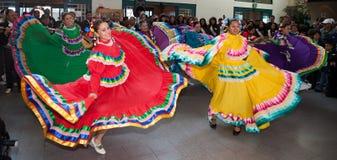 Mexicaanse Folkloristische Dansers Royalty-vrije Stock Afbeeldingen