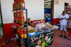 Mexicaanse goederenmarktkraam royalty-vrije stock foto's