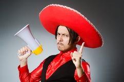 Mexicaanse kerel met de luidspreker stock afbeelding